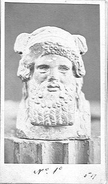 58f1d 220px fotografia del busto del dios baal - La construcción imposible de la Terraza de Baalbek, ¡a ver como la ciencia explica esto!
