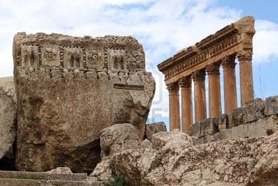 dcefc 7574729 gran piedra y columnas en el templo de baalbek libano - La construcción imposible de la Terraza de Baalbek, ¡a ver como la ciencia explica esto!