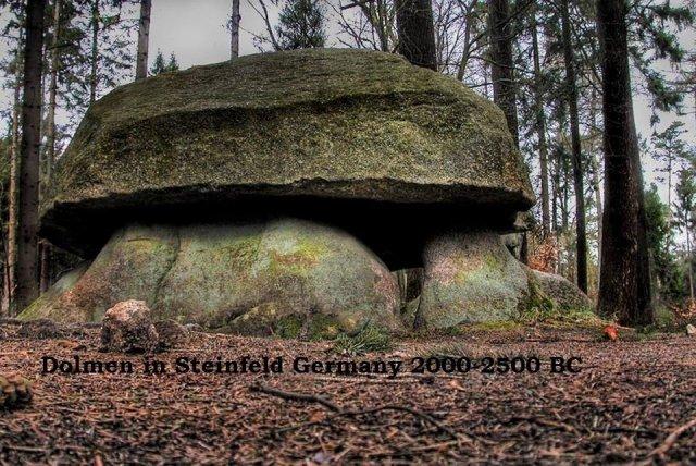 Revelaciones de los misterios de la tierra antes del juicio final 7420c-_dolmen2bde2bsteinfeld2ben2balemania